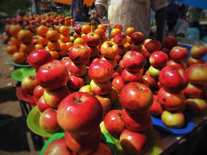 Apples arranged beautifully in Mimisal