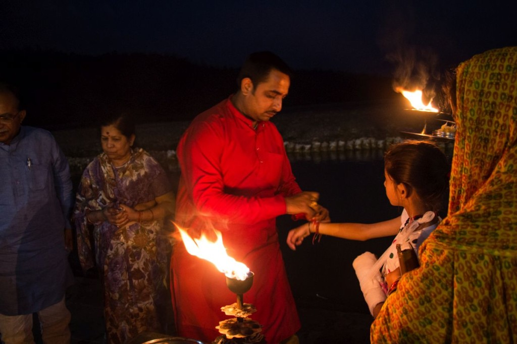 Prayers offered at Triveni Ghat