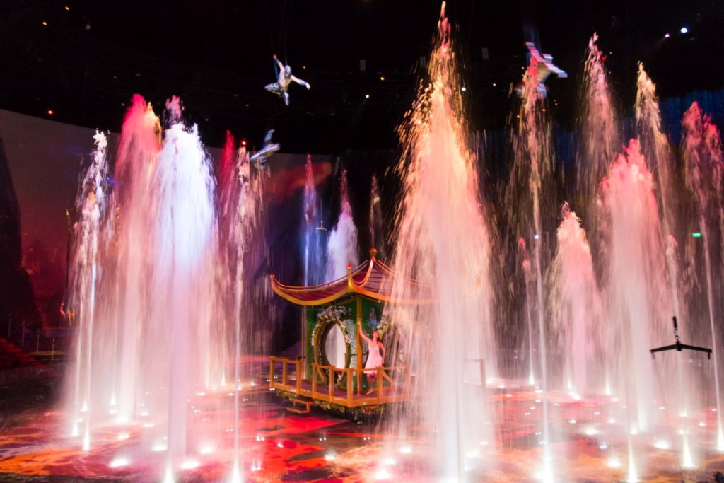 Macau House of Dancing Water show